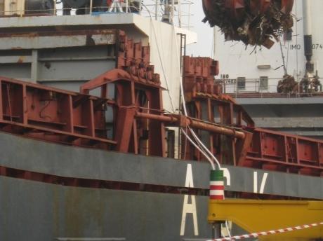 movimentazione materiale nel porti